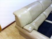 Чистка обивки мягкой мебели из натуральной и искусственной кожи