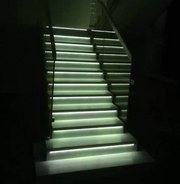 Установка автоматической подсветки лестниц